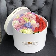 Deluxe Pink Strawberry box