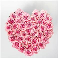 Medium Heart shape light pink roses